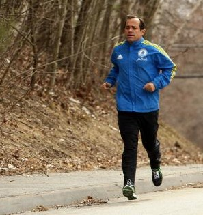 We interview Boston Marathon race director, Dave McGillivray to hear his inspiring story, and learn how the Boston Marathon became as big as it did.